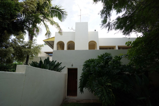 Elegant mediterranean house in waterkloof park pretoria for Elegant mediterranean homes