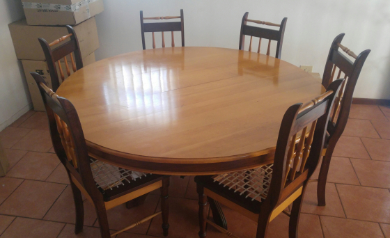 Yellow Wood And Imbuia Round Table Set