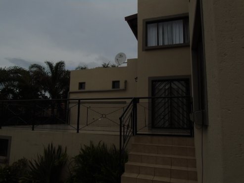 Very neat luxury house in moreletta park pretoria east for Very big houses for sale