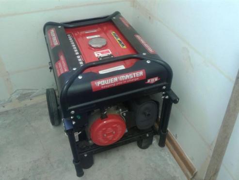 Te Koop: 6.5 KVA Petrol Generator.