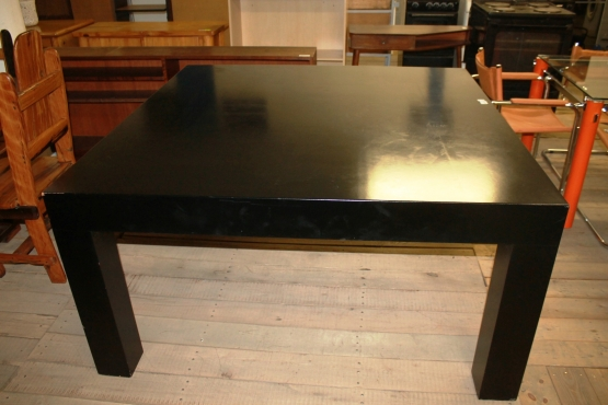 Diningroom table s022304a rosettenvillepawnshop for Dining room tables jhb