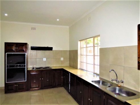 COLBYN: CLASSIC OLD PTA STYLE 3 BEDROOM HOME TO RENT