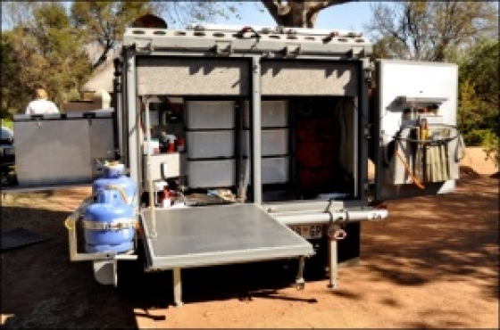 4X4 CAMPING TRAILER COMPLETE WITH TENT