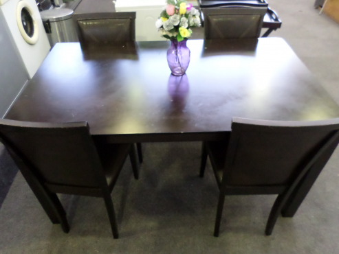 Dining room set four chairs milnerton diningroom for Kitchen tables cape town