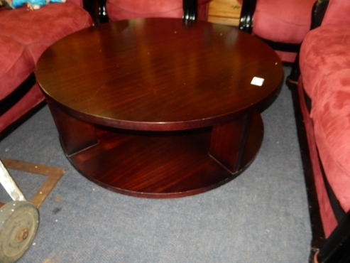 Wooden round coffee table pretoria north lounge for Coffee tables johannesburg