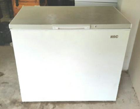 chest freezer for sale fridges and freezers. Black Bedroom Furniture Sets. Home Design Ideas