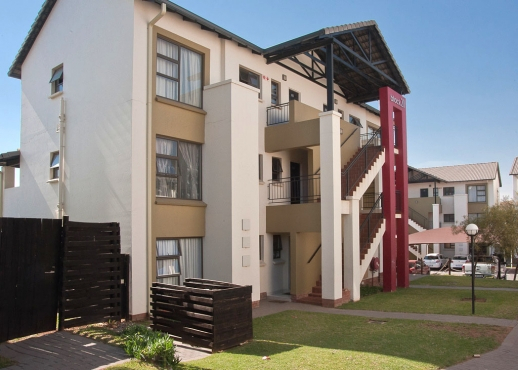Cozy 1 one bedroom apartment for rent in midrand katara for Apartment complex for rent
