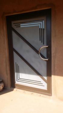 Aluminium Windows Sliding Doors Pivot Door Garage Door