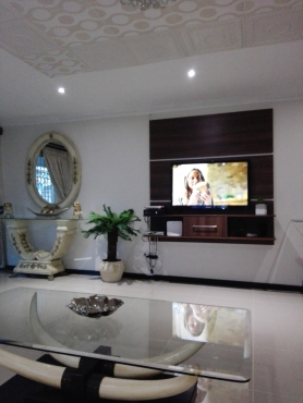 INGWE PROPERTY GROUP PRESENTS THIS DELIGHTFUL TWO BEDRROM SIMPLEX IN PALMVIEW