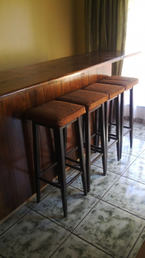 Bar Solid Wood With 4 Chairs Springs Bar Furniture 65419140 Junk Mail Classifieds