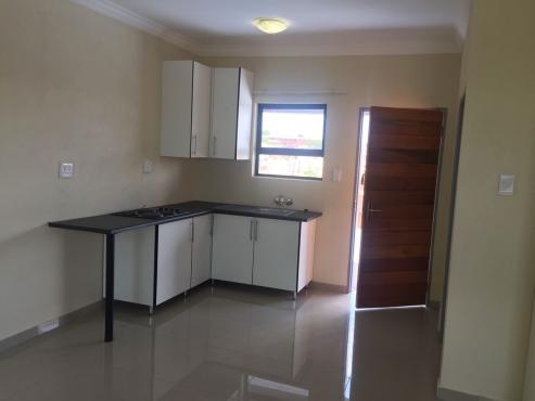 Newly built bachelor flats in soshanguve block r for r2500 for Kitchen units soshanguve