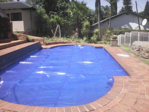 Swimming pool solar bubble covers pvc covers centurion - Swimming pool maintenance pretoria ...
