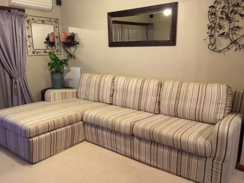 Coricraft Couch Manhattan Excellent Condition