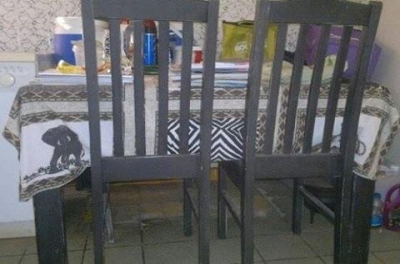 4 kantige tafel met 8 stoele prys ohb