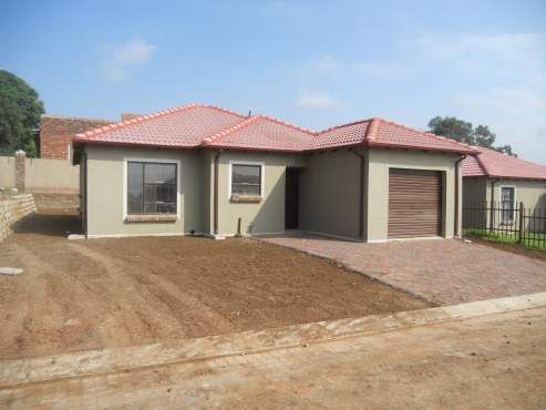 3 Bedroom House With Single Garage On Sale At Heatherview Hills In Pretoria North Pretoria