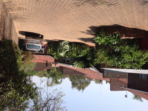Large house plus additional house on same property faerie Glen pta