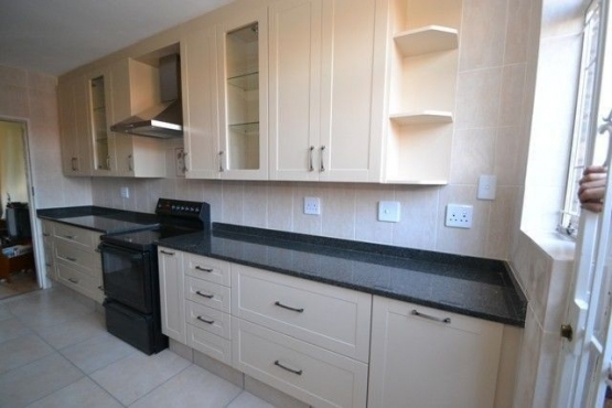 Built in kitchen cupboards and fitted built in wardrobes for Kitchen renovation pretoria