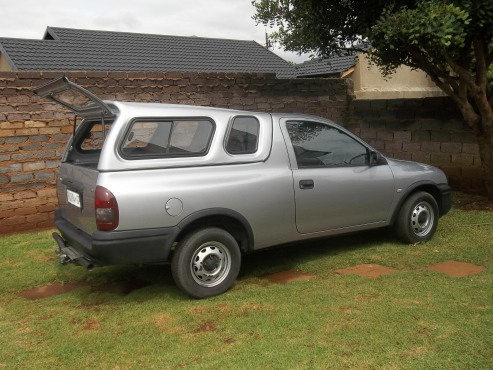 opel corsa bakkie 1 4i 2003 model opel 66350130 junk mail classifieds. Black Bedroom Furniture Sets. Home Design Ideas