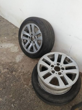 2 BMW mags and tyres