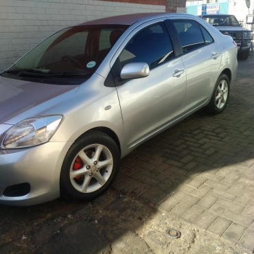 Give away: 2009 Toyota Yaris 1.3 low km for R 70000.00