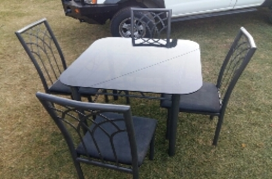 We Recommend 4 Seater Diningroom Table