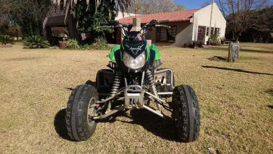 Arctic Cat Quad 400cc