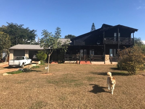Log Home Available to Rent - White River (Ingwenyama Lodge Area)