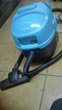 Electrolux vacuum (wet and dry)