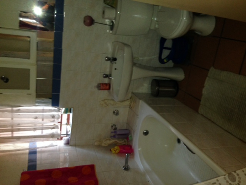 2 BEDROOM FLAT TO RENT - MOREGLOED