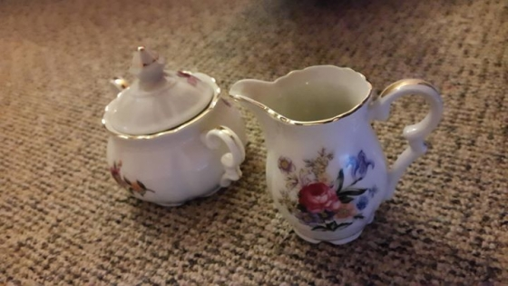 15 Piece Collectors Tea Set