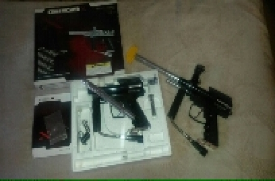 2 × Paintball markers