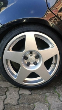 Fifteen 52 17inch rims 5/100 pcd