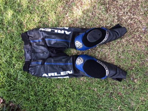 Arlenese Armored Racing Jacket & Pants