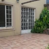 Neat garden flat to rent in Wo