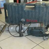 BOSCH JACKHAMMER DRILL IN BOX HEAVY DUTY IN GOOD C