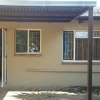 Garden cottage  to rent in Par