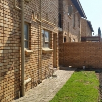 2 Bed Simplex with Garden for Sale in Brackendowns