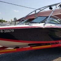 2009 Supreme V232 (23ft/7m) with a MerCruiser Scorpion 350hp Inboard.