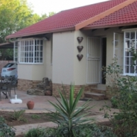 Family home for SALE in Heuweloord