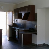 Modern 2 Bdr Apartment for non-smoking student/small family in Vaalpark