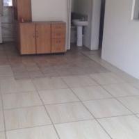 nice 1 x Bedroom ground floor flat in Mayville Pretoria