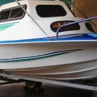 Crest Rider 440 cabin cruiser