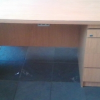 Oak melamine desk with pedestal.