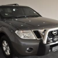 Nissan Parthfinder 2.5 Dci LE Automatic
