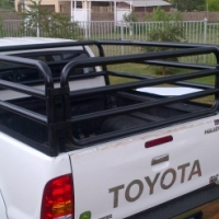 Toyota Hilux DC cattle frame / Beestralie