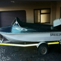 boat with trailer 60hp Johnson