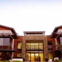 UP-MARKET OFFICES FULLY FURNISHED TO LET IN STONERIDGE, EDENVALE