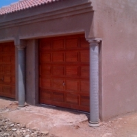 2BEDROOM HOUSE ON A DOUBLE STAND!SLOVO GARDENS