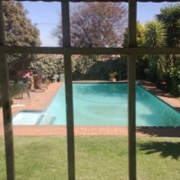 Two bedroom garden cottage to share on the east rand