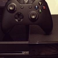 Xbox one + 1x Remote +  Destiny for sale  Moot